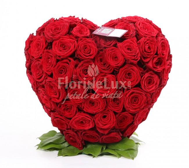 aranjament_inima_de_trandafiri_2_flori 8 martie