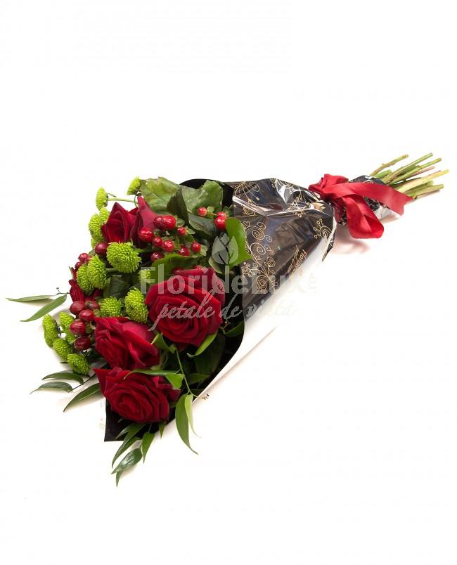 8 martie flori trandafiri rosii