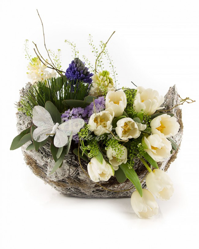 cos flori 8 martie lalele