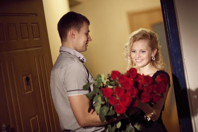 ofera 101 trandafiri 8 martie