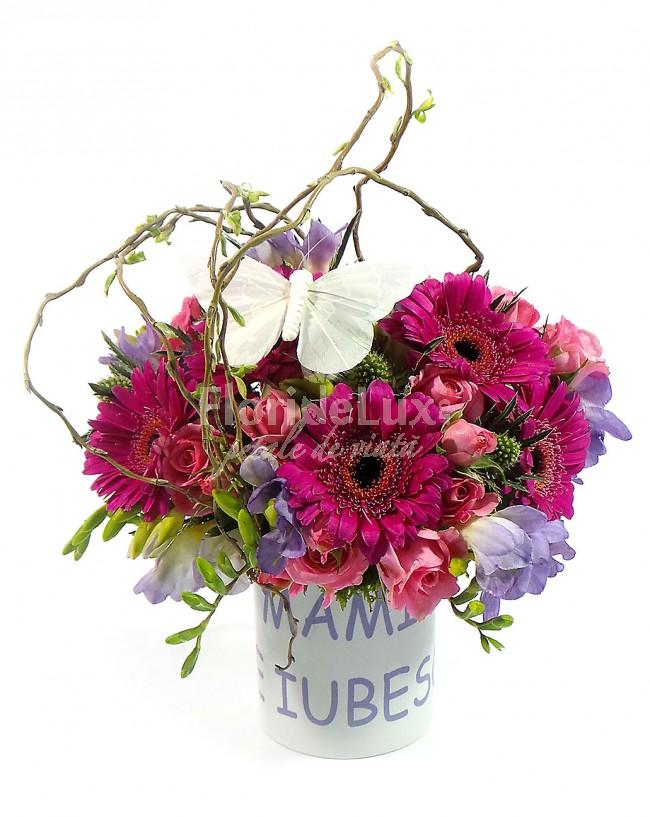 flori cu mesaje de 8 martie te iubesc mama