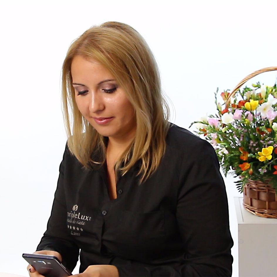 Operatorii nostri - cea mai buna florarie online - sunt pregtiti pentru apelurile si intrebarile voastre pentru Ce flori se ofera de 8 martie. Va vom oferi tot suportul si va vom da cele mai bune sfaturi pentru ca TU sa oferi cele mai frumoase flori cu ocazia 8 martie.