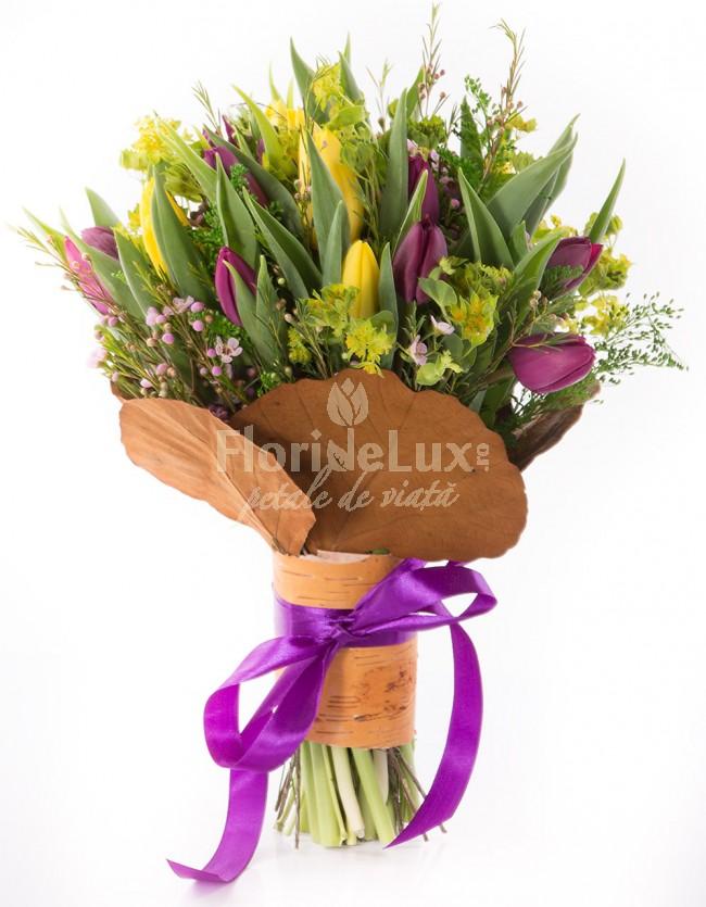 flori-pentru-mama-lalele